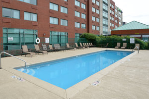 Holiday Inn Express St Louis Airport Maryland Heights Mo See Discounts