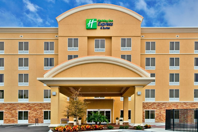 HOLIDAY INN EXP STES LARGO CLW