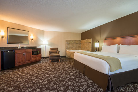 Holiday Inn Express CASPER-I-25 - King Jacuzzi Executive