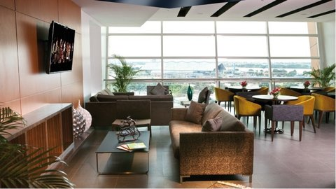 Holiday Inn GUAYAQUIL AIRPORT - Sky Club Lounge