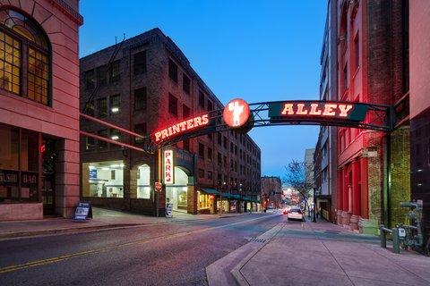 Hotel Indigo NASHVILLE - Check out the historic Printer s Alley