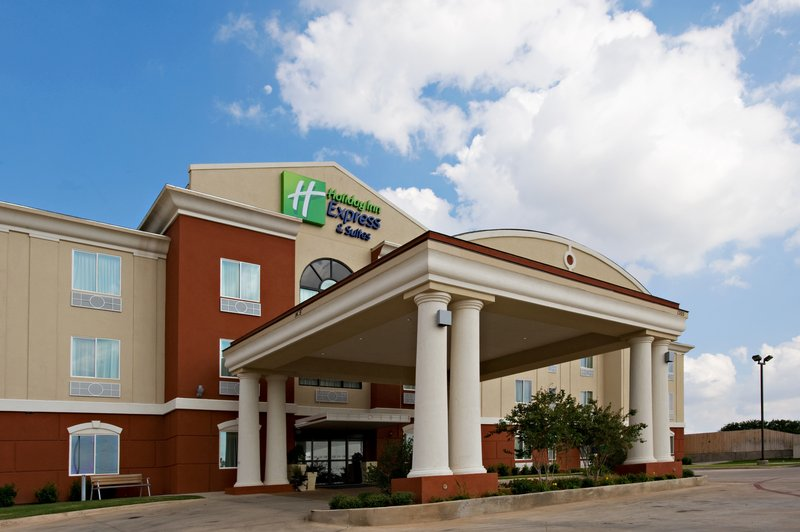 HOLIDAY INN EXP STES SNYDER