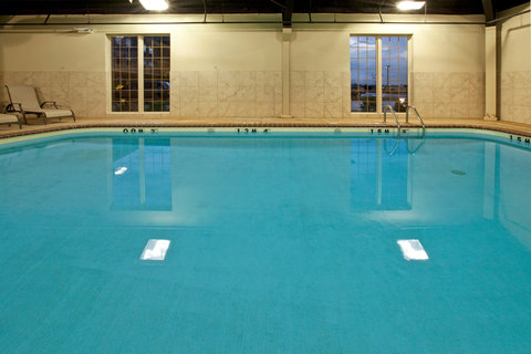 Holiday Inn Express & Suites ADA - Swimming Pool