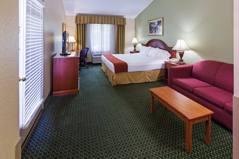 Holiday Inn Express & Suites Arlington (Six Flags Area) - King Bed Guest Room