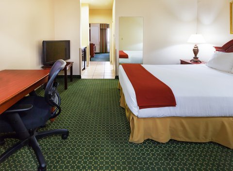 Holiday Inn Express & Suites Arlington (Six Flags Area) - One Bedroom Suite
