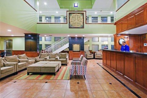 Holiday Inn Express & Suites Arlington (Six Flags Area) - Hotel Lobby
