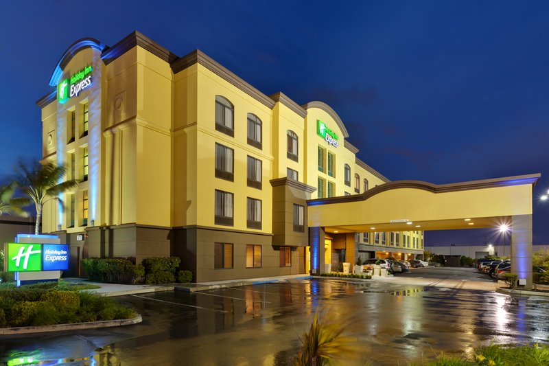 HOLIDAY INN EXP AIRPORT NORTH