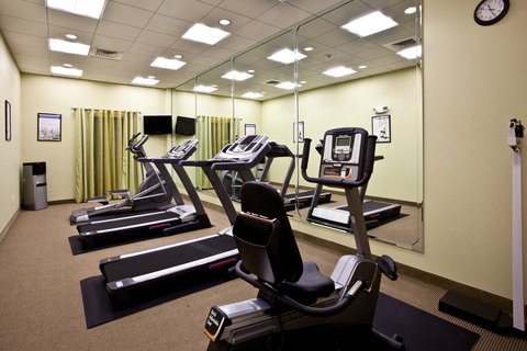 Holiday Inn Express & Suites PERRY - 24hr Fitness Center