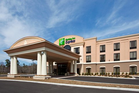 Holiday Inn Express & Suites PERRY - Hotel Exterior