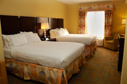 Holiday Inn Express & Suites PERRY - Queen Bed Guest Room