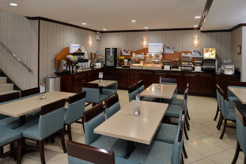 Holiday Inn Express NEW YORK JFK AIRPORT AREA - Kew Gardens, NY