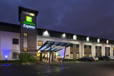 Holiday Inn Express CAMBRIDGE - Welcome to Holiday Inn Express Cambridge