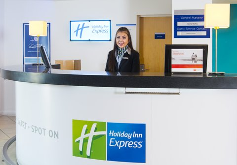 Holiday Inn Express CAMBRIDGE - Our friendly Reception team are always here for anything you need