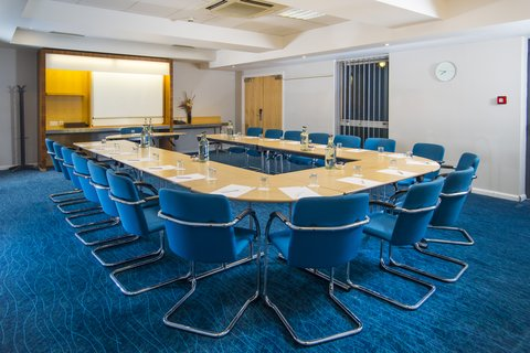 Holiday Inn Express CAMBRIDGE - Our conference rooms have a capacity of up to 50 delegates
