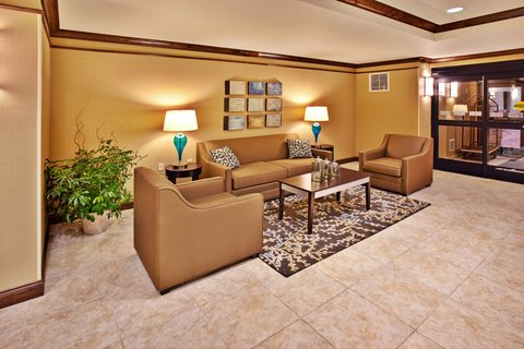 Holiday Inn Express & Suites DUBUQUE-WEST - Holiday Inn Express   Suites Dubuque  IA Hotel Lobby