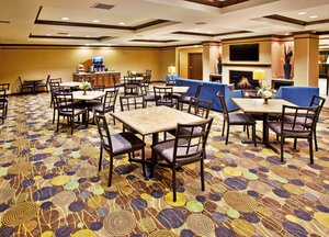 Restaurant - Holiday Inn Express Hotel & Suites Dubuque