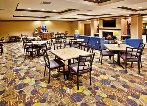 Holiday Inn Express & Suites DUBUQUE-WEST - Holiday Inn Express   Suites Dubuque  IA Breakfast Area