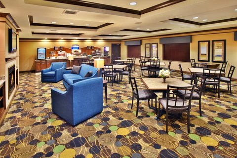 Holiday Inn Express & Suites DUBUQUE-WEST - Holiday Inn Express   Suites Dubuque  IA Family Dining