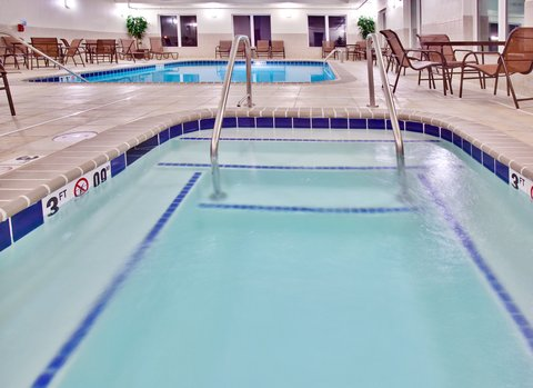 Holiday Inn Express & Suites DUBUQUE-WEST - Holiday Inn Express   Suites Dubuque  IA Swimming Pool