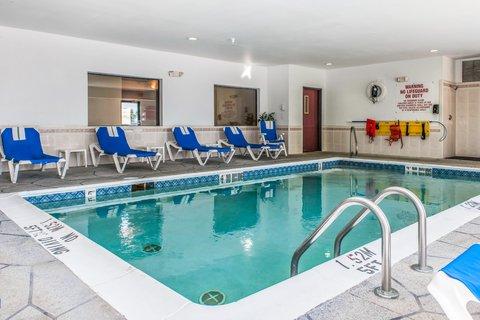 Comfort Suites North Ft Wayne Hotel - Pool