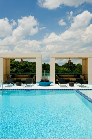 Hotel Indigo BOSTON-NEWTON RIVERSIDE - Soak up the rays from our sun-drenched relaxation at BOKX Pool