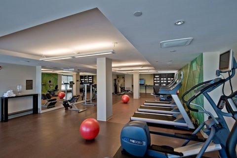 Hotel Indigo BOSTON-NEWTON RIVERSIDE - Fitness Studio w cardio equipment and free weights