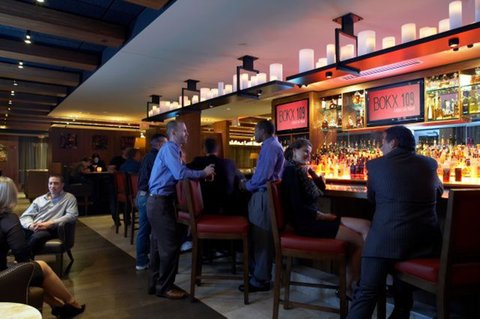 Hotel Indigo BOSTON-NEWTON RIVERSIDE - BOKX Bar and Lounge for casual dining and relaxed conversation