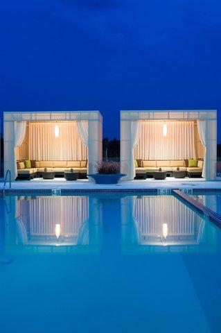 Hotel Indigo BOSTON-NEWTON RIVERSIDE - Luxury cabanas offer the perfect setting for a summertime soiree