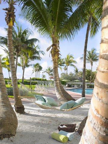 Holiday Inn Miami Beach - Oceanfront - Holiday Inn Miami Beach Oceanfront Hammock Oasis