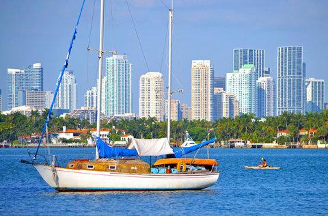 Holiday Inn Miami Beach - Oceanfront - Sailing Biscayne Bay near Holiday Inn Miami Beach Oceanfront