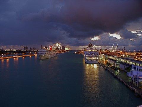 Holiday Inn Miami Beach - Oceanfront - Arriving Cruise Ships Port of Miami near Holiday Inn Miami Beach