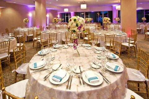Holiday Inn Miami Beach - Oceanfront - Holiday Inn Miami Beach Oceanfront Ballroom Wedding Style