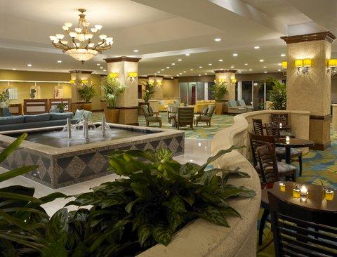 Holiday Inn Miami Beach - Oceanfront - Holiday Inn Miami Beach Oceanfront Lobby in evening