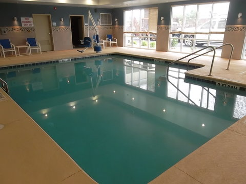 Holiday Inn Express Hotel & Suites Goldsboro - Base Area - Swimming Pool