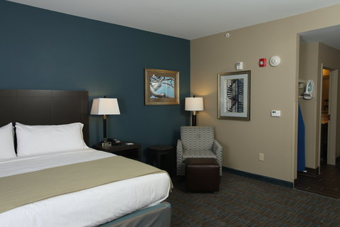 Holiday Inn Express Hotel & Suites Goldsboro - Base Area - Guest Room