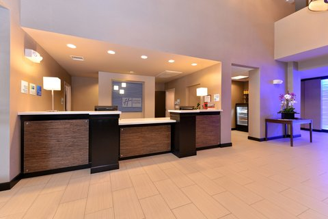 Holiday Inn Express & Suites INDIO - Front Desk