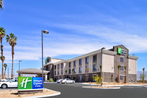 Holiday Inn Express & Suites INDIO - Hotel Exterior