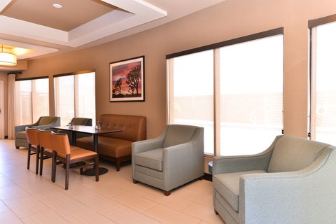 Holiday Inn Express & Suites INDIO - Breakfast Area