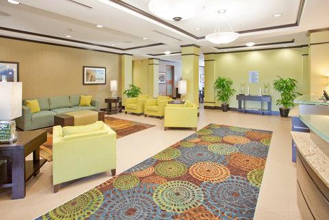 Holiday Inn Express & Suites ST. JOSEPH - Hotel Lobby