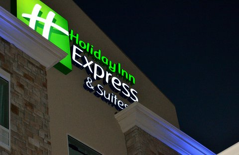 Holiday Inn Express & Suites ST. JOSEPH - Hotel Exterior
