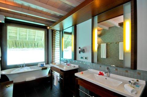 إنتركونتيننتال بورا بورا آند ثالاسو سبا - Overwater Villa Bathroom
