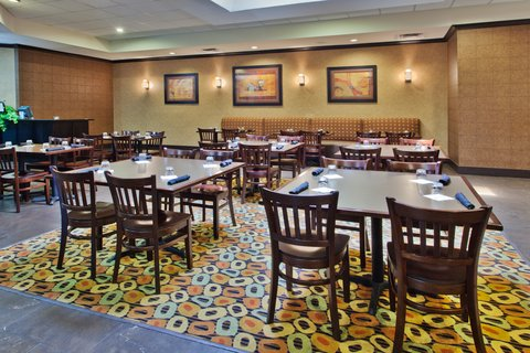 Holiday Inn Hotel & Suites COLUMBIA N I 77 TWO NOTCH RD - Restaurant