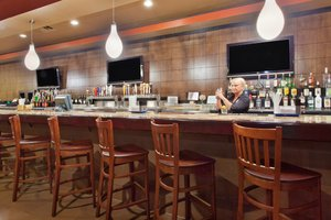 Bar - Holiday Inn Hotel & Suites Columbia