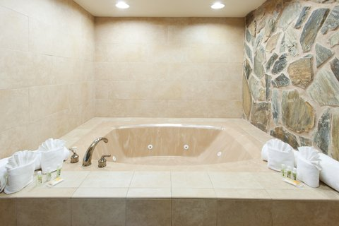 Holiday Inn Hotel & Suites COLUMBIA N I 77 TWO NOTCH RD - King Spa Suite jetted tub