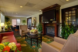 Lobby - Holiday Inn Express Hotel & Suites Columbia