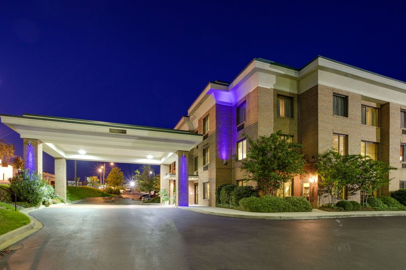 HOLIDAY INN EXP STES I 20 CLE