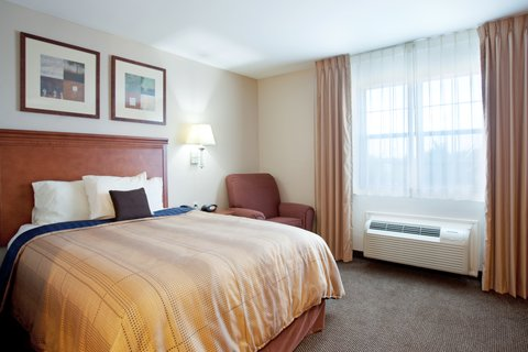 Candlewood Suites GALVESTON - Single Bed Guest Room