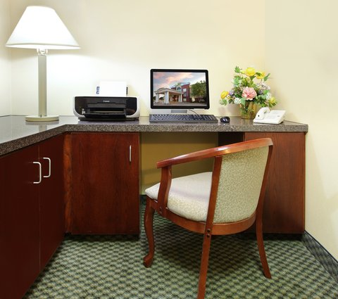 Holiday Inn Express Fort Smith Executive Park Hotel - Business Center