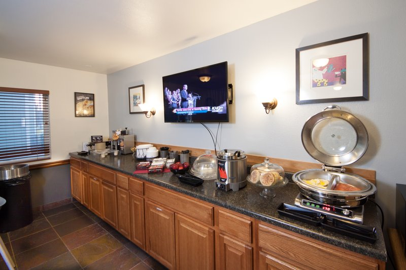 SILVER STONE INN AND SUITES