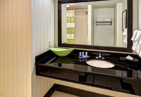 Fairfield Inn & Suites Naples - Guest Bathroom Vanity